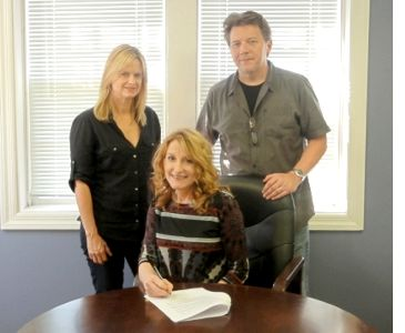 Clair Lynch Signing at Compass Records