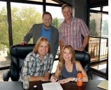 The Roys Sign with Moonstruck Management